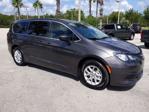 Pre-Owned 2019 Chrysler Pacifica LX
