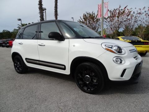 PRE-OWNED 2017 FIAT 500L TREKKING WITH NAVIGATION